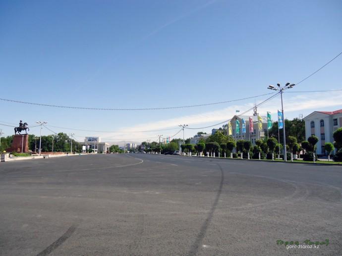Площадь Достык