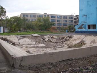 Недоломанный бассейн за ТарГУ