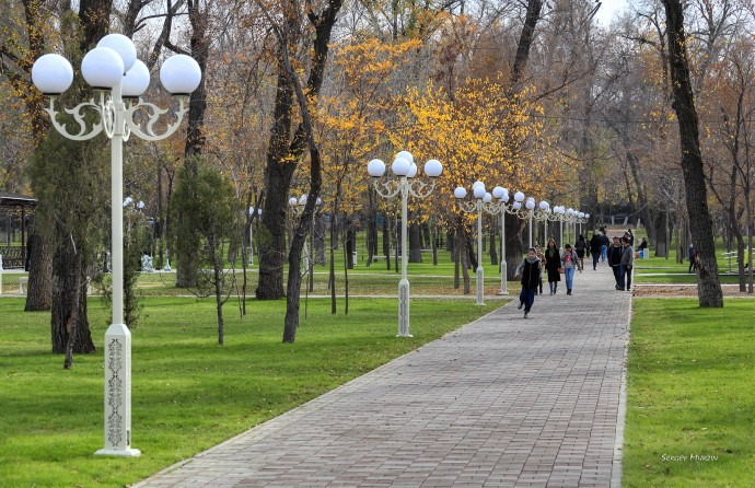 Тараз. Парк имени Рыскулбекова